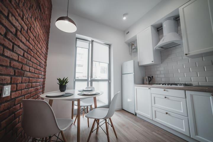 N17/3 Kostjukowski Apartments