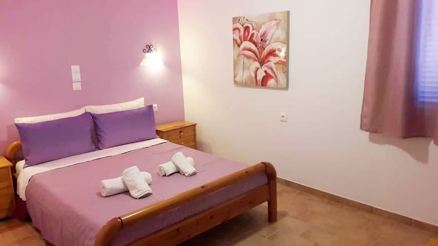 Schinoussa Hostel Private Room