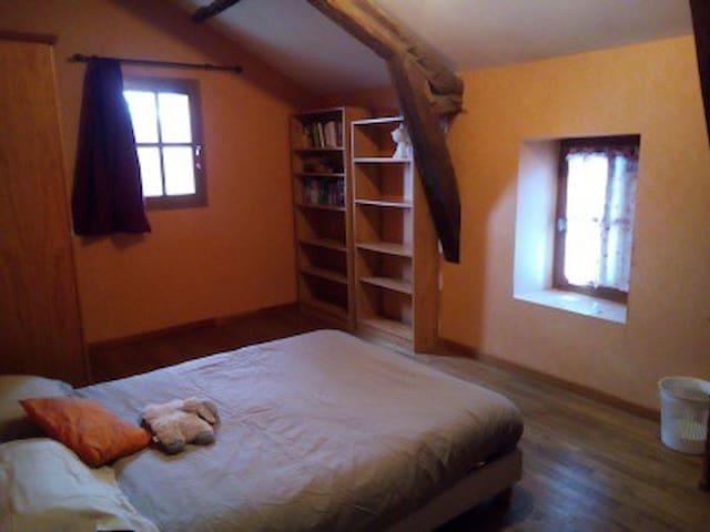 Chambre ( 3 ) lit double