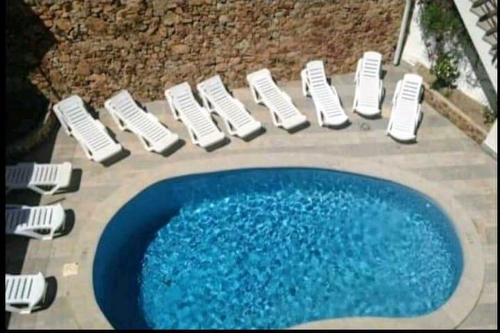 Precioso apartamento a 50m de playa con piscina.