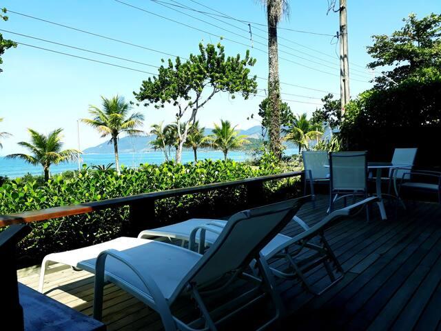 Praia da Lagoinha, Ubatuba - Casa pé na Areia!!
