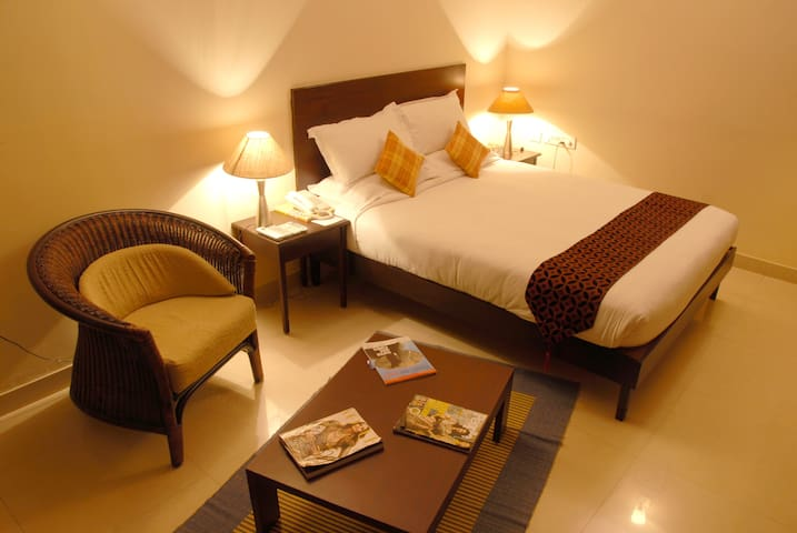 Luxury Executive Rooms on CBD Down Town, M.G. Road