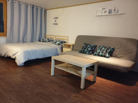Dongdaemun Private Modern House#4 (Poket WiFi)