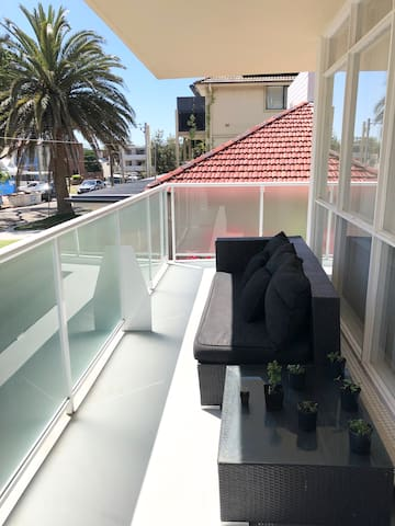 Coogee 1 bedroom spacious Apartment