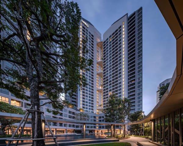 (U2.546)有三个超长泳池的美丽小区,近地铁,房间宽敞,生活设施配套完善