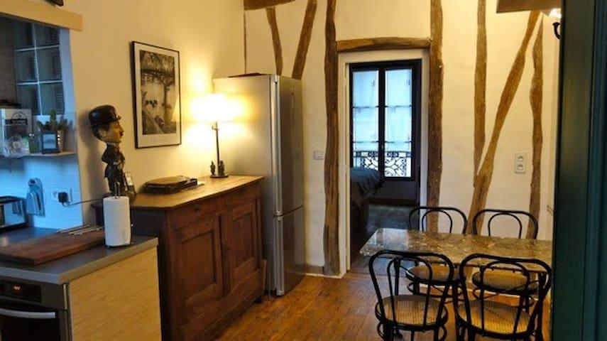 Appartement dans Passage privé (Phone number hidden by Airbnb)