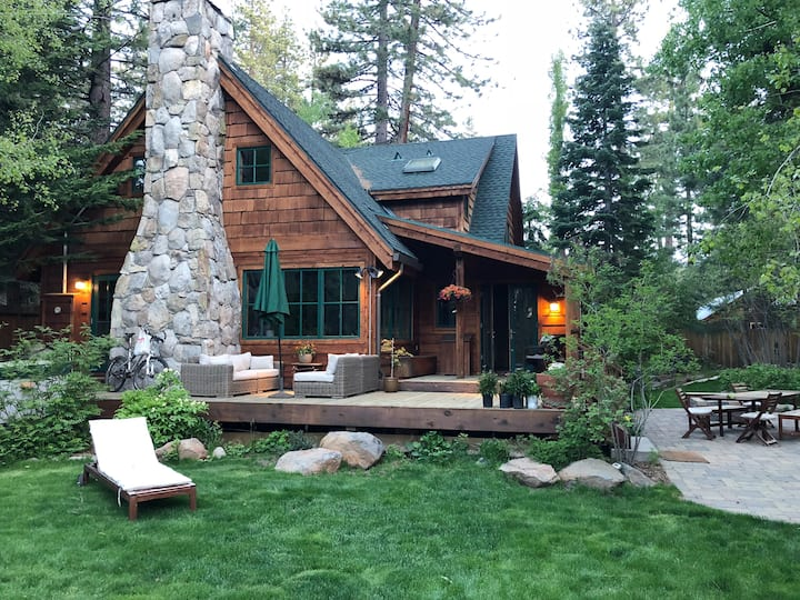 Luxury Tahoe Cabin Close to Beach ~Tahoe City