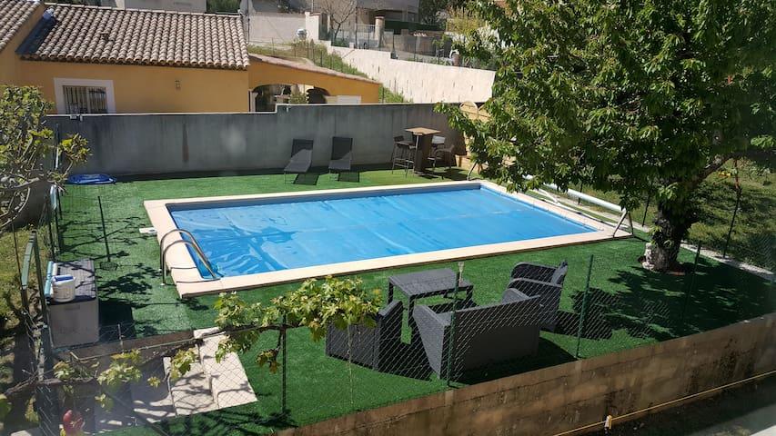 villa 120m2 avec piscine - Cadolive - Vila