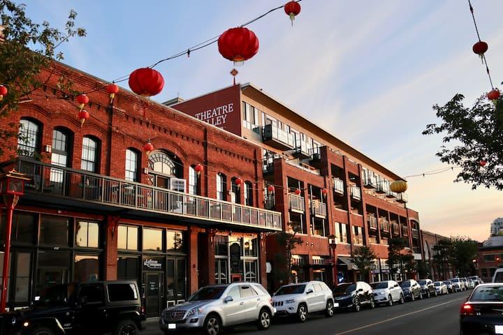 Modern Chinatown Gem + Secure Parking