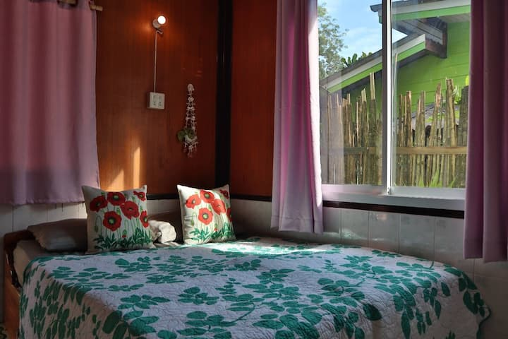 SMALL GUEST HOUSE BUNGALOW 1
