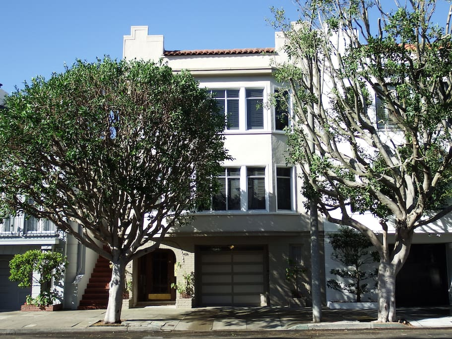 Beautiful Marina condo. 1 car garage parking available. View from Mallorca St.