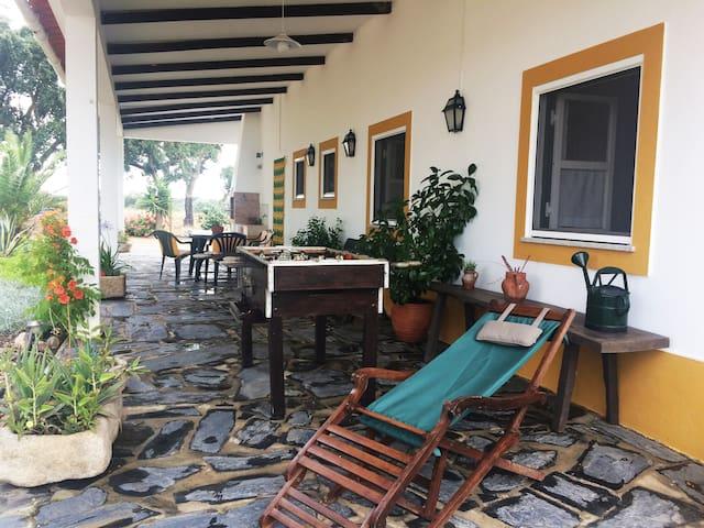 CASA DOS SOBREIROS -VALE DE SEDA , FRONTEIRA