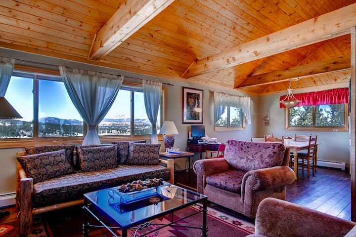 2BR Cabin in Ranch of the Rockies w/Mtn Views!