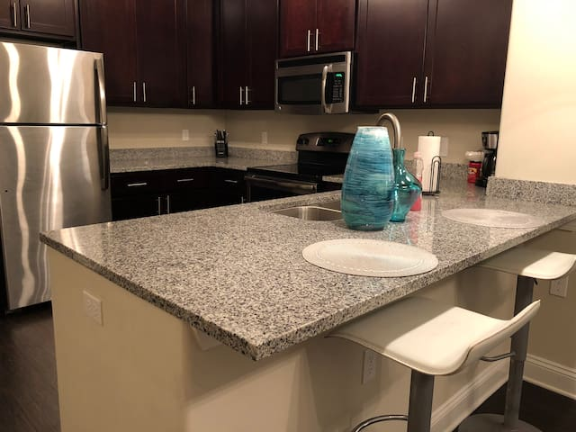 NEW LOCATION 2BR/2Bath Condo Universal, Disney