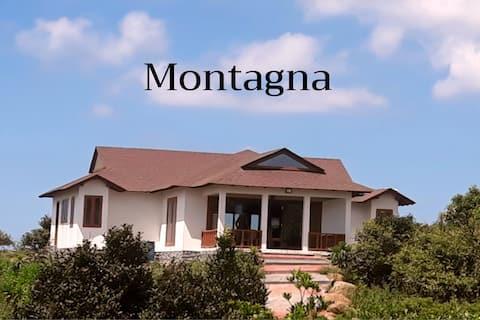 Montagna stone cottage