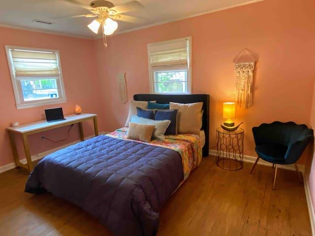 Queen bedroom with workstation