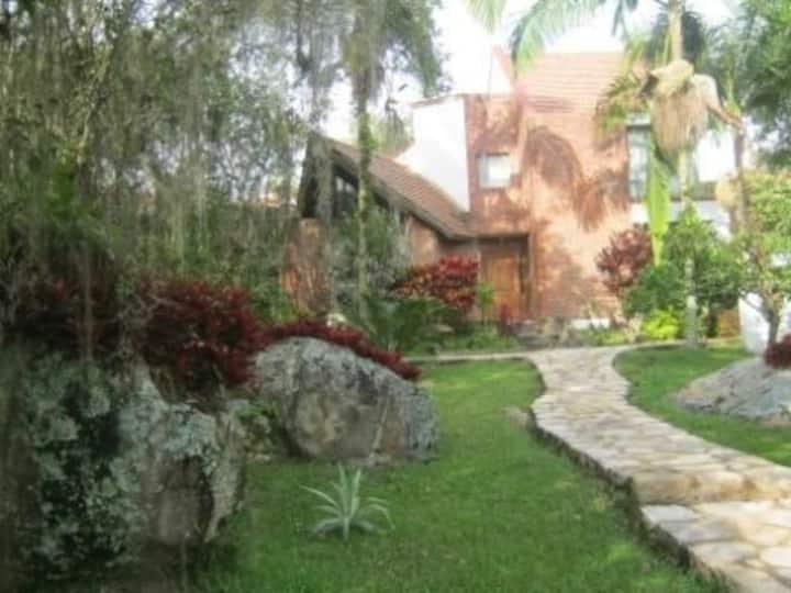 Casa campestre a 75 KM de Bogotá