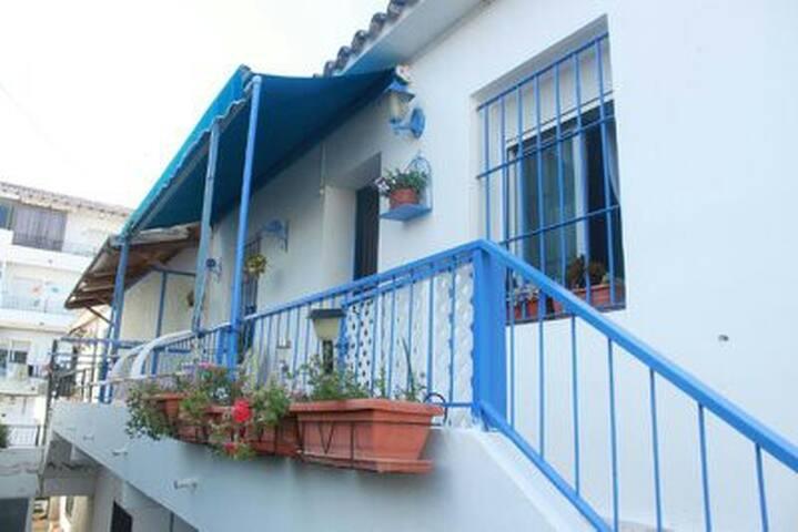 casa azul mediterraneo
