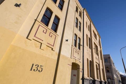 135 Cumberland Street (Apt 1 - Ground Floor)