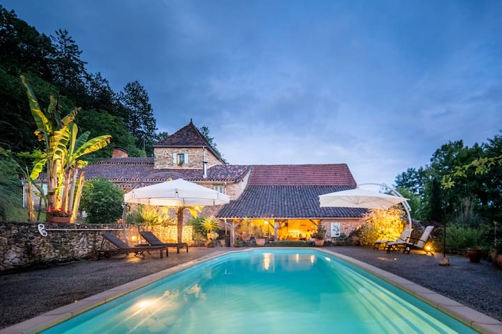 Charming farmhouse near Belvès with swimming pool