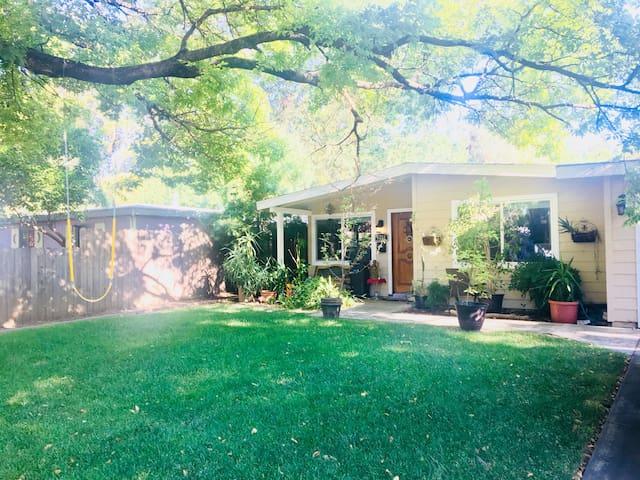Davis Manor Quiet & Peaceful Sanctuary