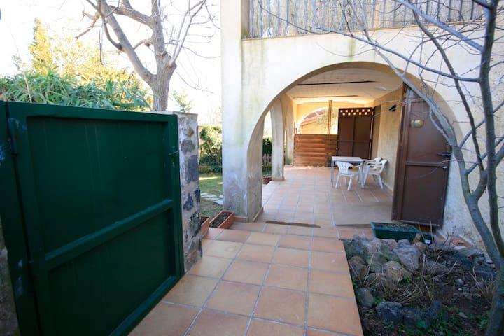 Casa acollidora i confortable - Sant Joan les Fonts - Talo