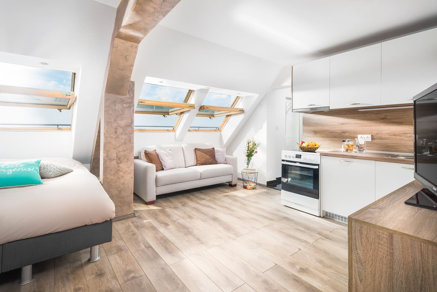 Apartment 'Zonnebloem' welcomes you with sunny and warm atmosphere