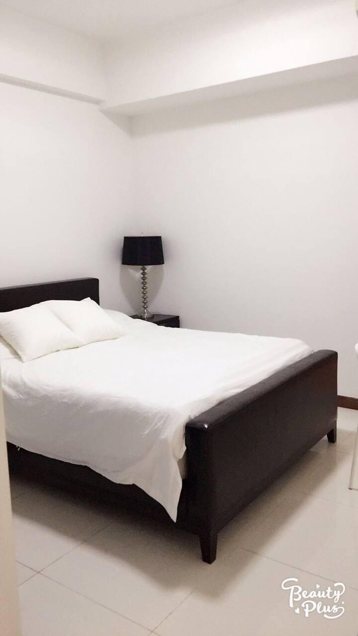 Condo Master Room @ Raffles Area