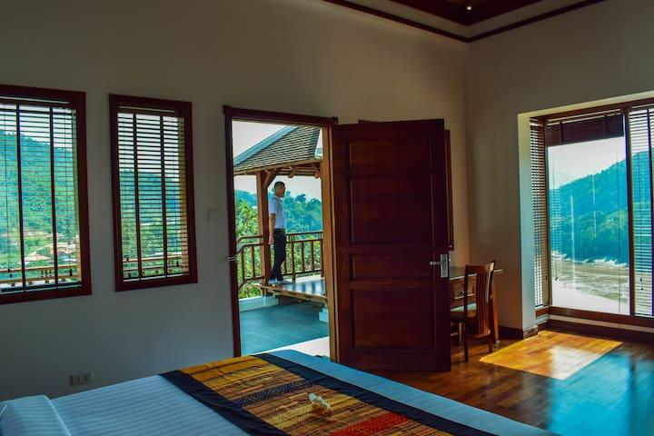 Le Grand Pakbeng (Signature Villa Room)