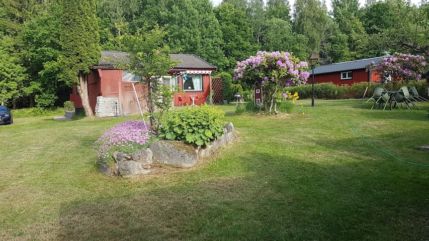 Swedish cottage by the lake Boren - Motala Ö - Cabaña