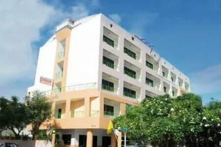 Central Place Hotel - Tha Pradu - Huoneisto