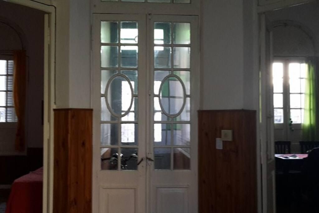 Ingreso a la casa y ambientes