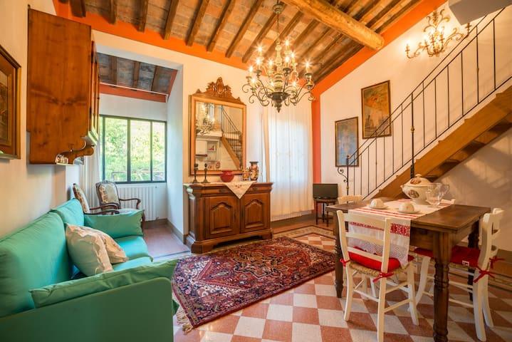 Tognazzi Casa Vacanze - Appartamento La Bifora - Certaldo - Pis