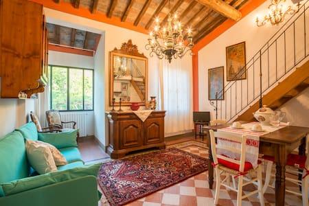 Tognazzi Casa Vacanze - Appartamento La Bifora - Leilighet