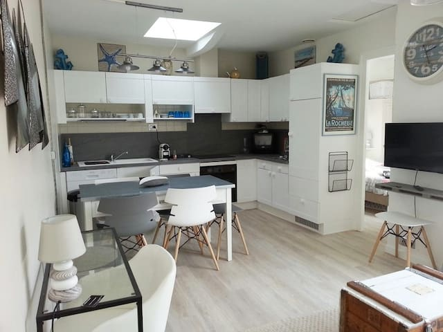 T2 en plein coeur historique, esprit bord de mer. - La Rochelle - Wohnung