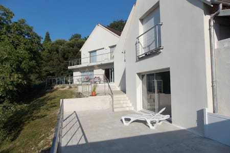 studio rdc vue sur la vallée de la Loire - Langeais