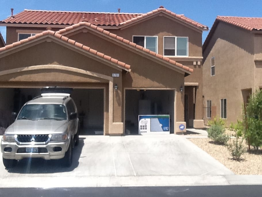 Vegas Show Special 4 Bedrooms 3 Full Bathrooms Houses
