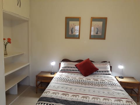 The Chinhoyi Tree House - The Parris Rooms