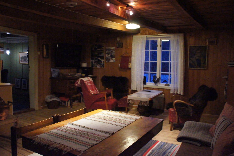 På Storloftet har du god arbeidsplass og plass til å slappe av
