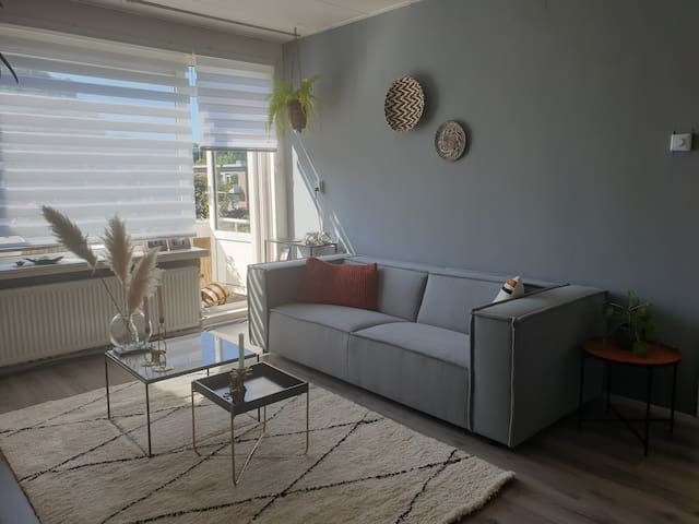 Cozy appartment 30 min to Rotterdam & 15  to beach