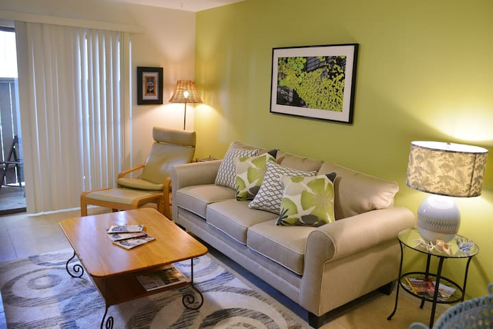 Cheerful Seaside Private Condo in Seabrook/Kemah