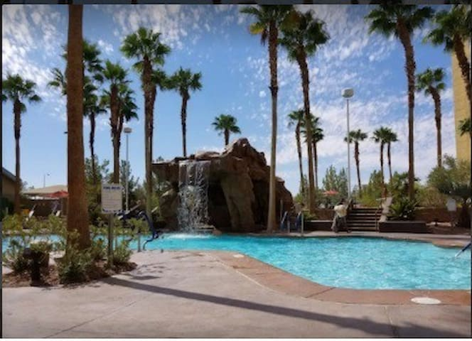 Grandview at Las Vegas 1-BR Condo