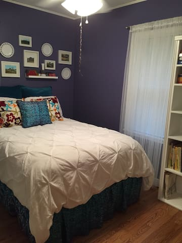 Quaint Room in Cute Neighborhood! - Des Moines - Ev
