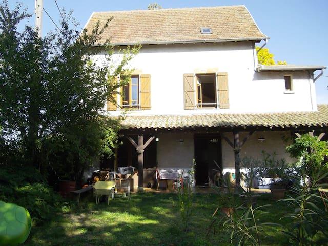 Maison sur les hauteurs de Figeac - Figeac - Hus
