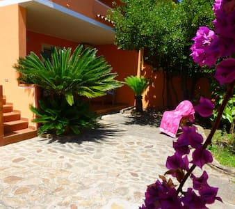 Villetta bifamiliare Agrustos - Apartemen