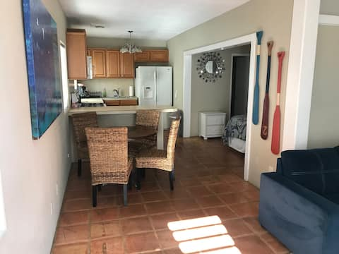 Large Loft Unit with Private Patio and BBQ