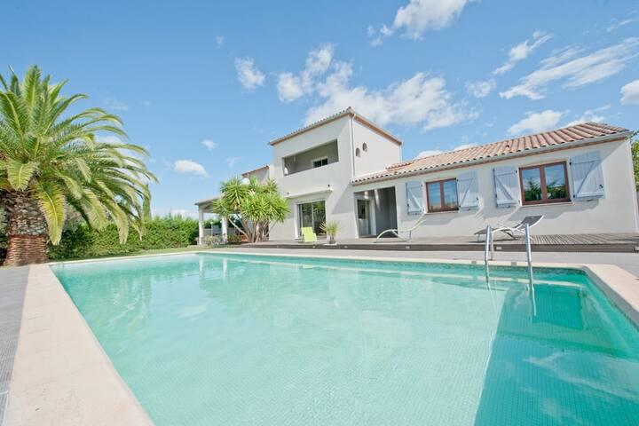 Superbe Villa near Agde and Pezenas