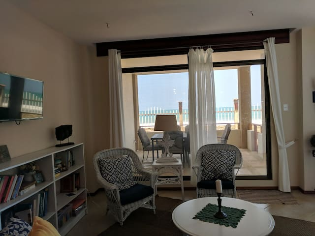 Comforts of Home Beachfront Condo w/ Pool, Views