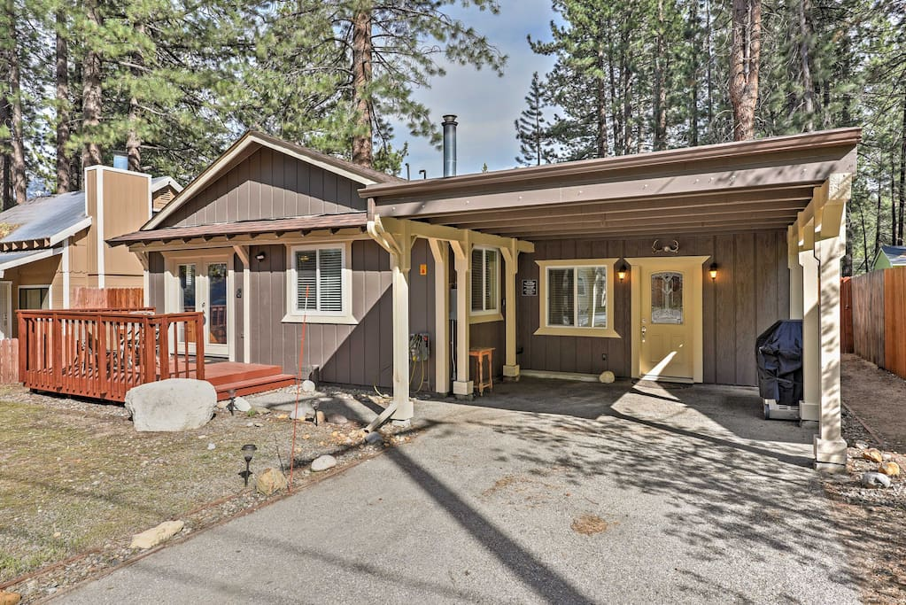 The recently remodeled home has space for 4 and features all new amenities.
