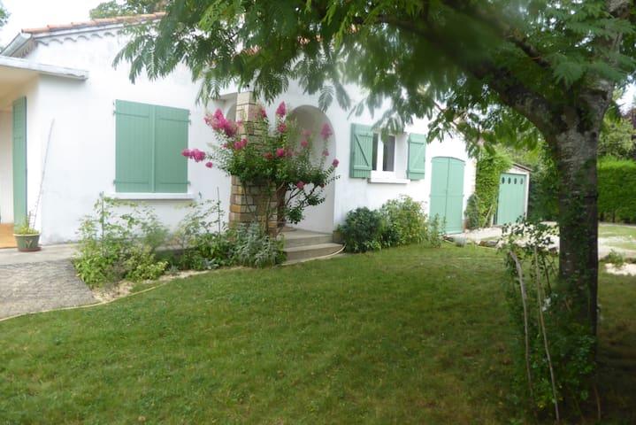 Maison avec jardin proche du centre ville